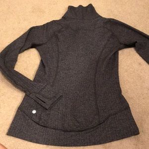 Lululemon pullover/ gray/black. Size 6